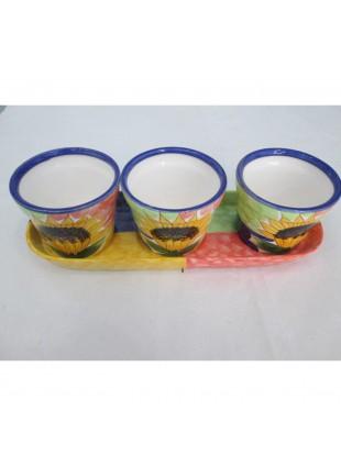 tris vasetti portapiante in ceramica con girasoli con vassoio